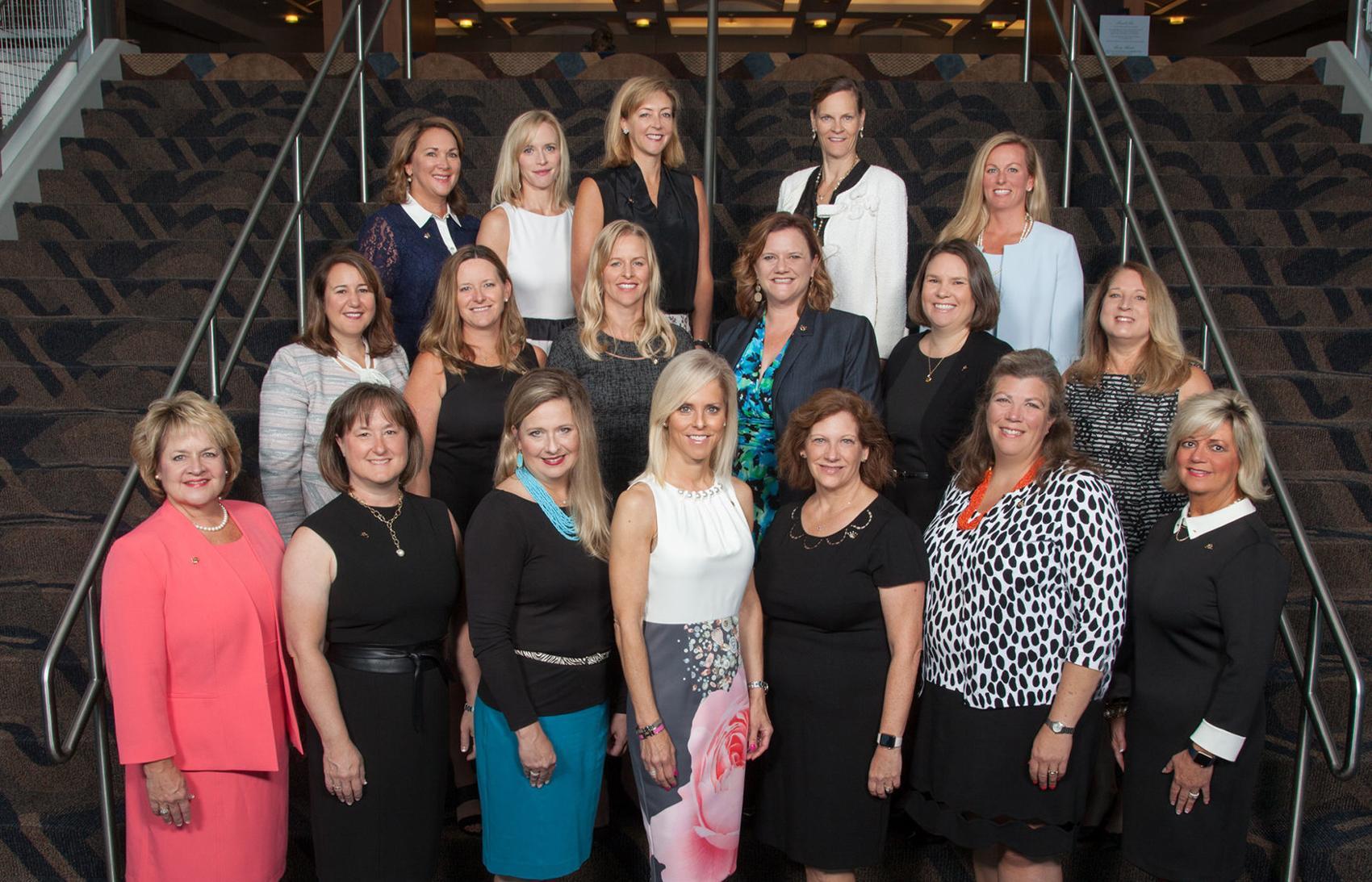 Women's ball committee
